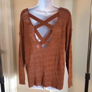 Beautiful Lightweight, criss-cross back sweater